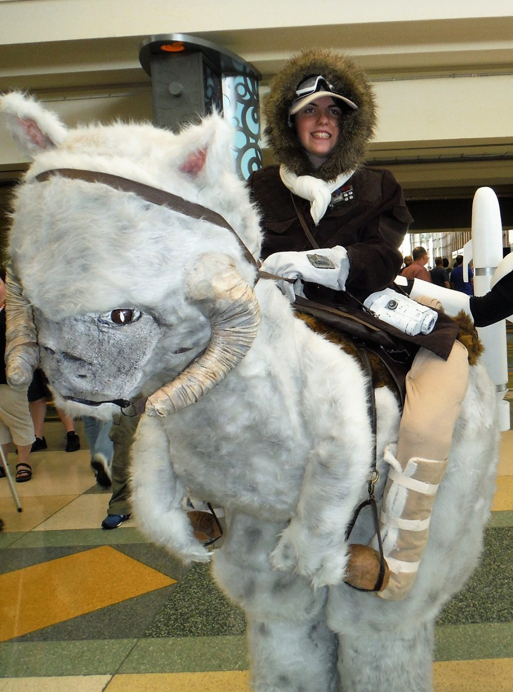Han Solo Riding A Taun Taun Halloween Costume Contest
