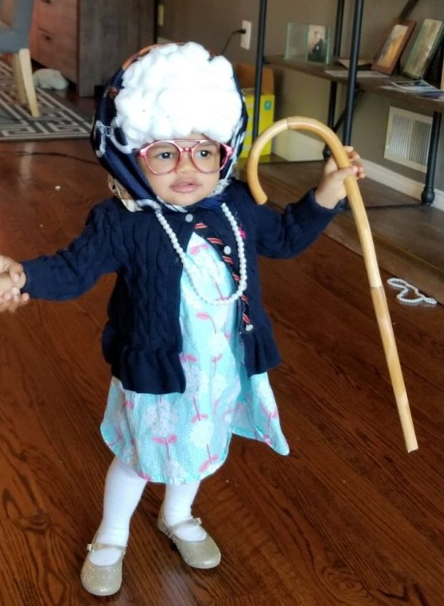 Little Old Lady   Halloween Costume Contest 2018