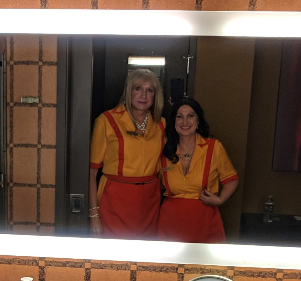 Two Broke Girls Halloween Costume Contest 2018